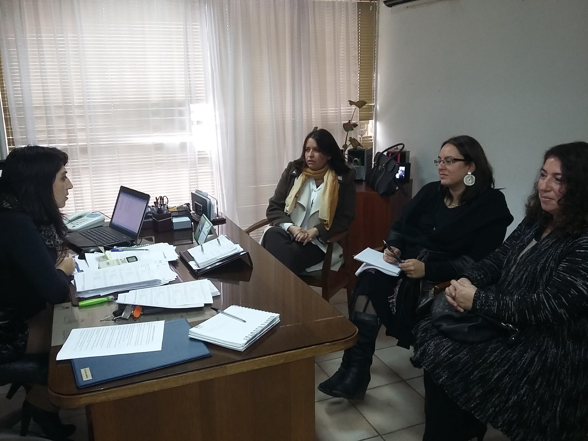 Gobernadora anuncia obras de ampliaci n en oficinas del for Oficina registro civil